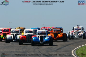 A Triple Crown for Divan Myburgh in the INEX Legends Championship